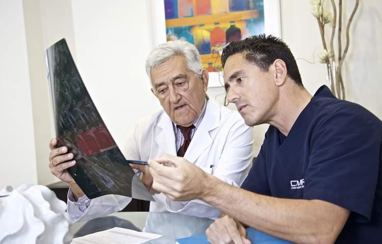 Centro Medico Photoshoot by Redline comapny (1)