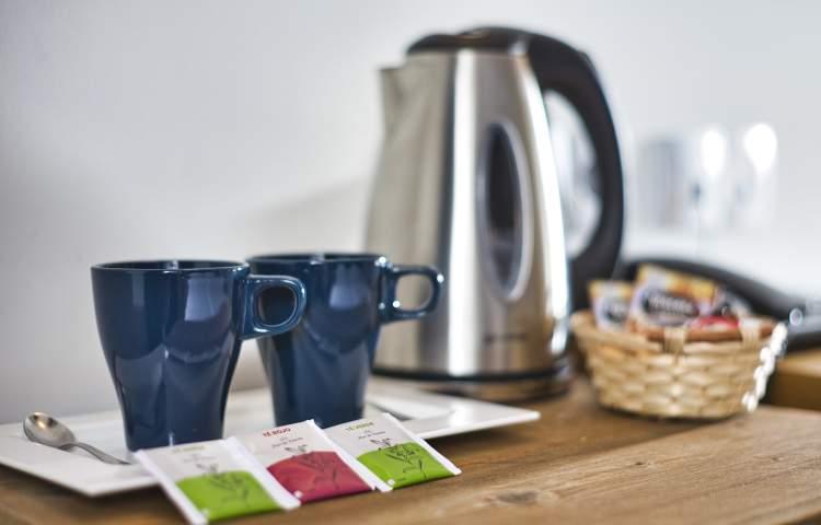 Hotel Paloma Blanca_photoshoot kettle